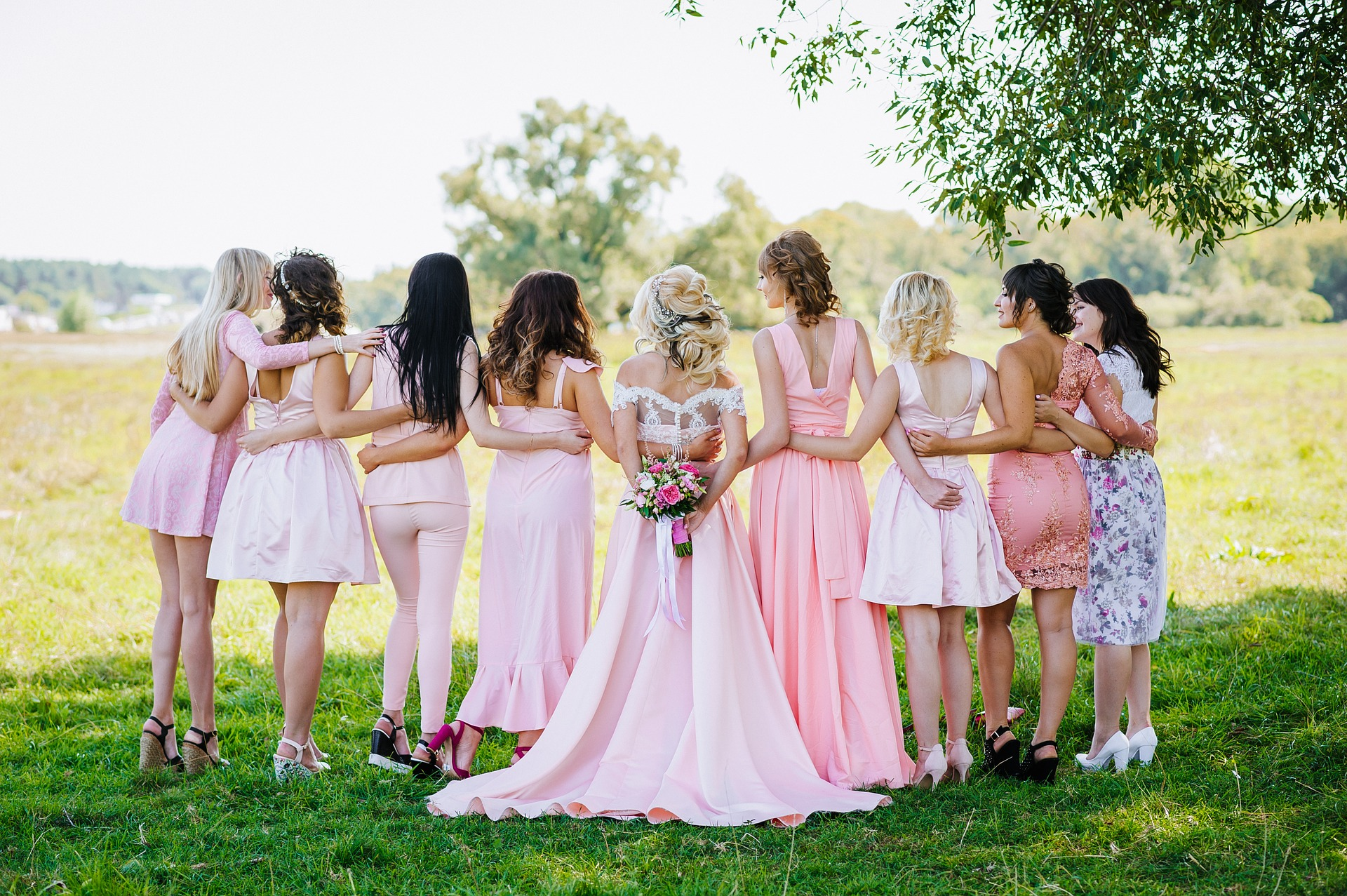 The Growing Popularity of Mismatched Bridesmaid Dresses
